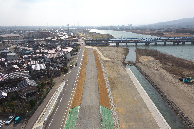 岡部 庄川本町築堤護岸その2工事
